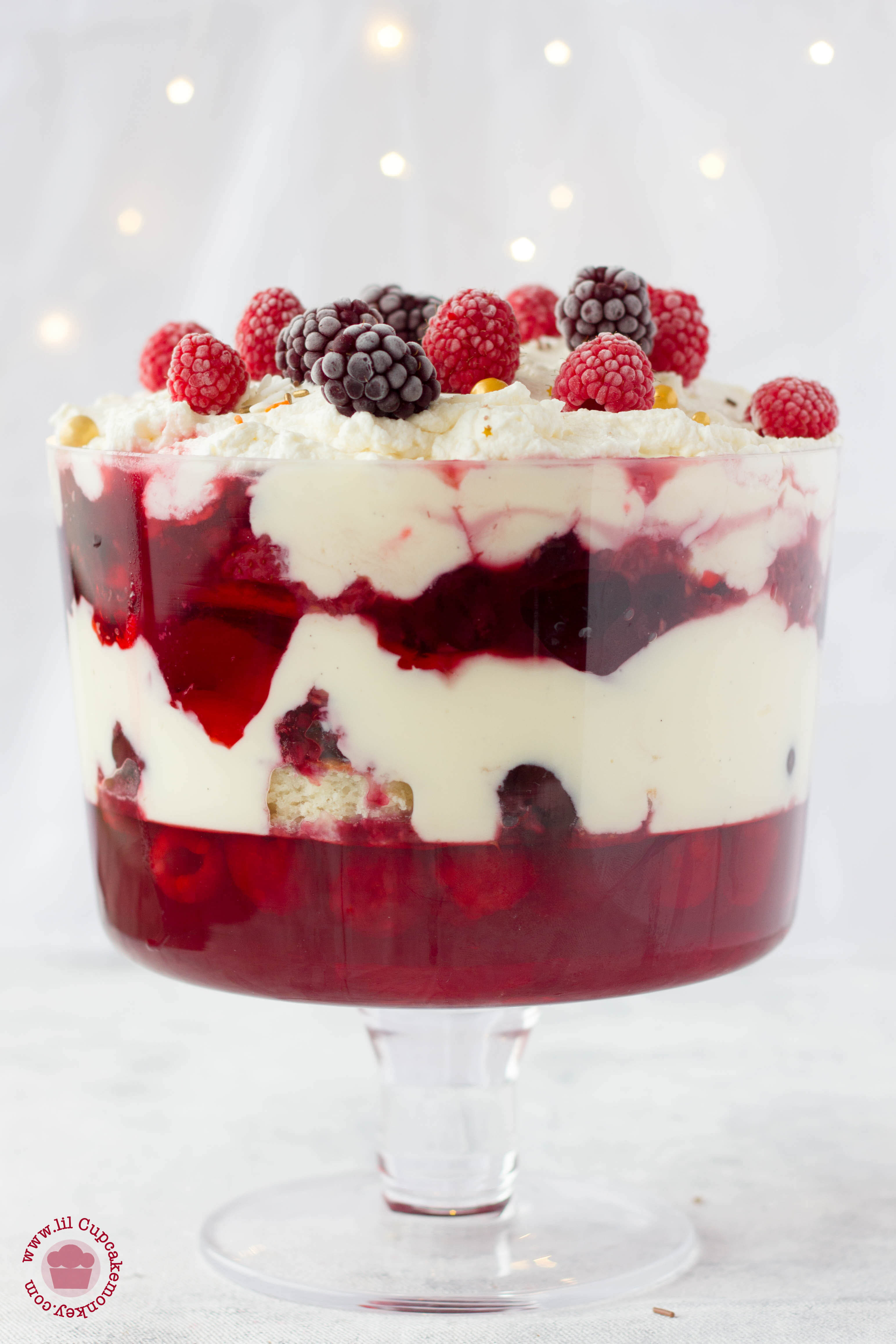 christmas trifle with mixed berry compote ...