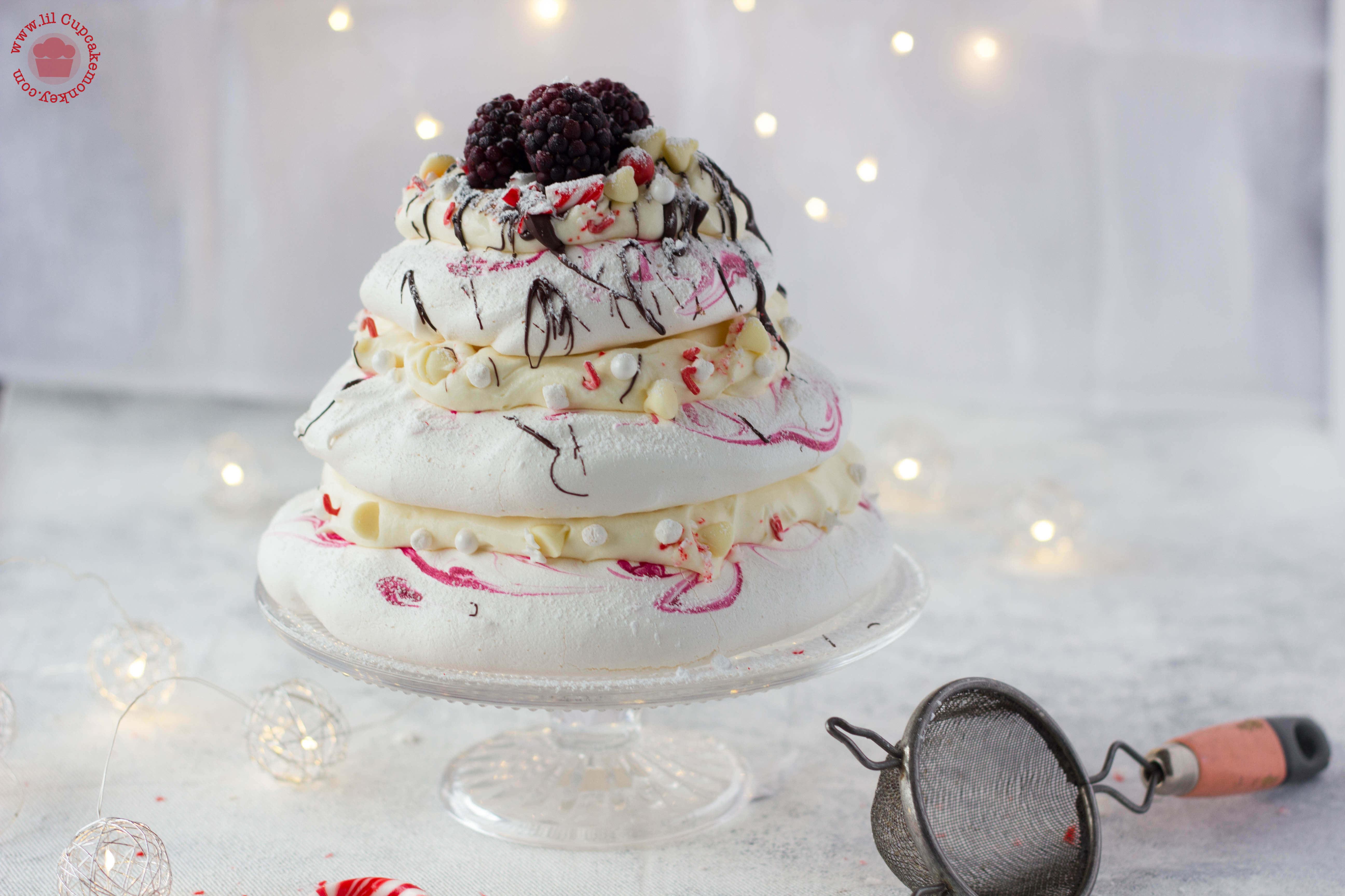 peppermint white chocolate pavlova - feature | lilcupcakemonkey.com