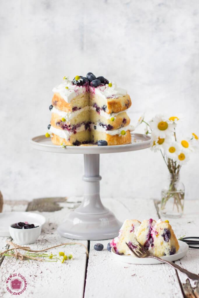 blueberry and chamomile cream cake | Lilcupcakemonkey.com