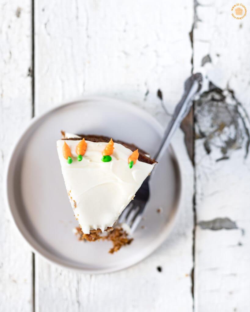 slice of brown butter carrot cake | lilcupcakemonkey.com