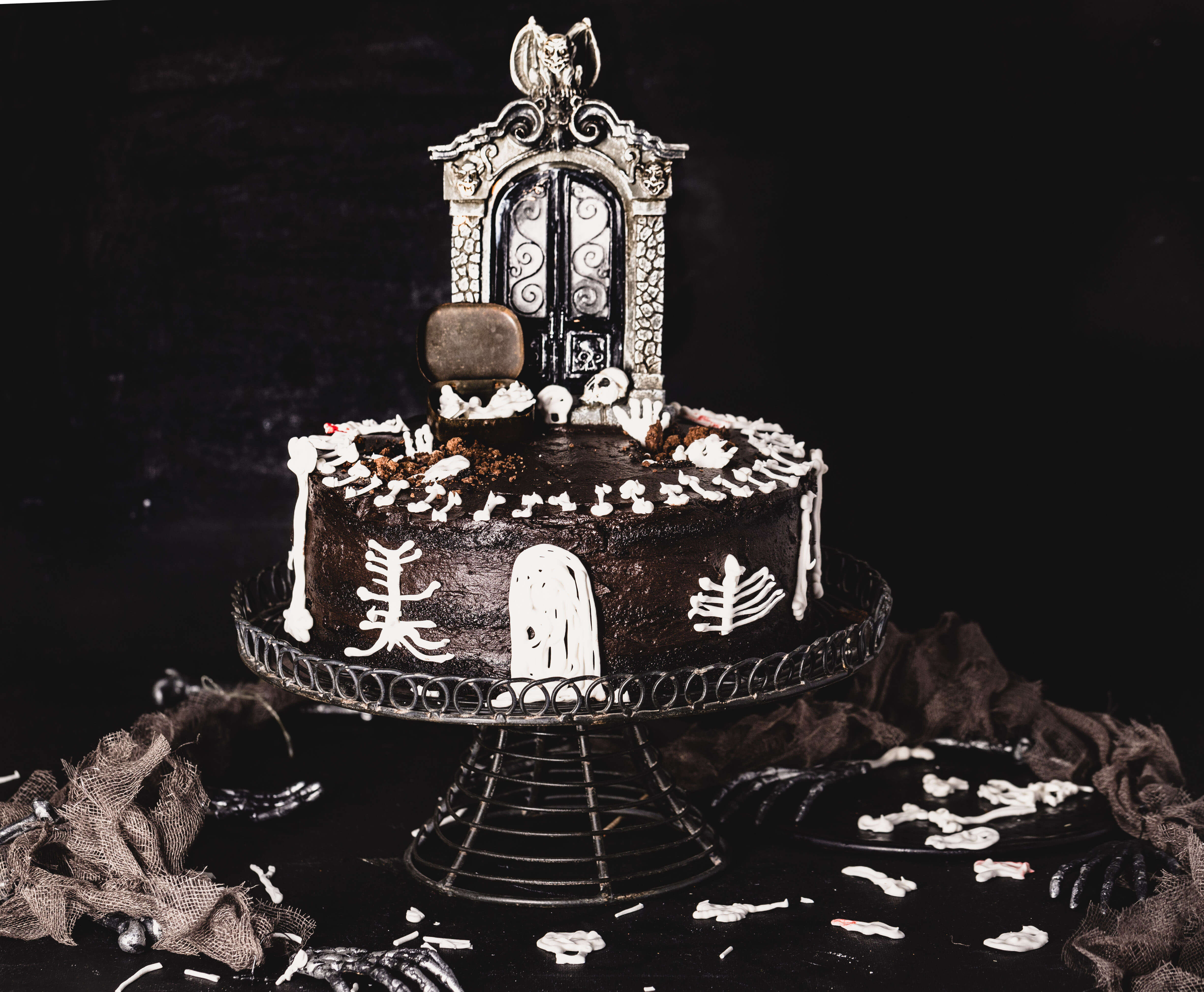halloween murder house cake - devils food cake and fudge frosting