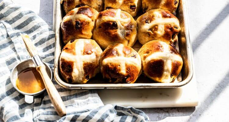 hot cross buns |lilcupcakemonkey.com