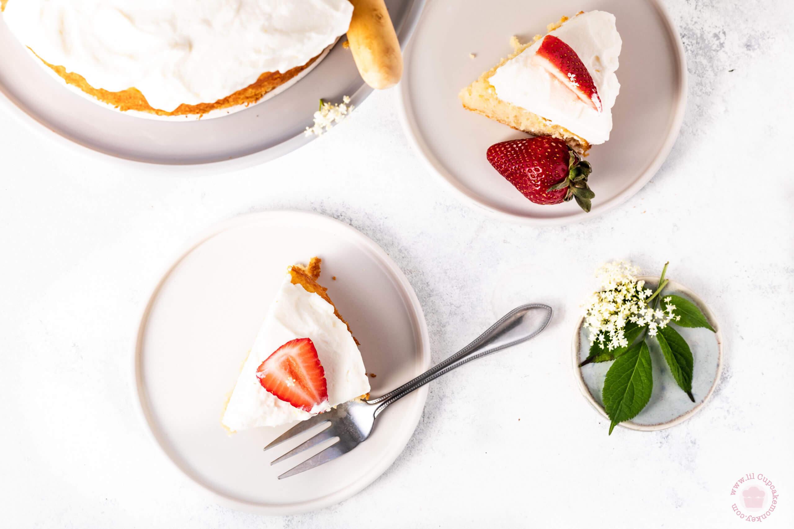 Slice of Elderflower and strawberry cake | lilcupcakemonkey.com