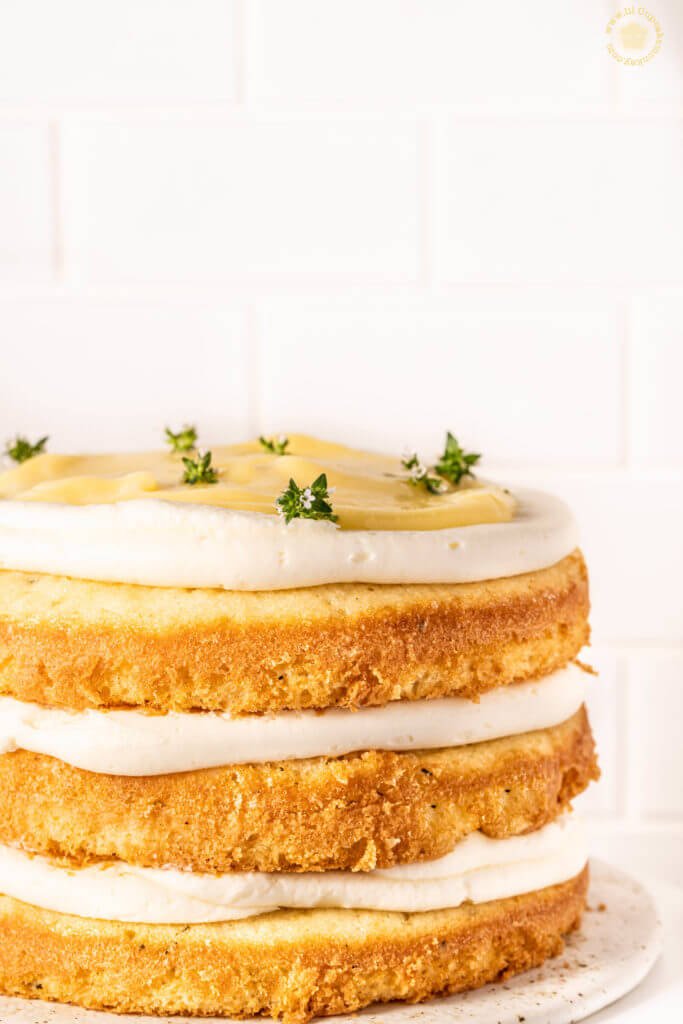 Lemon and thyme layer cake with lemon curd filling | lilcupcakemonkey.com