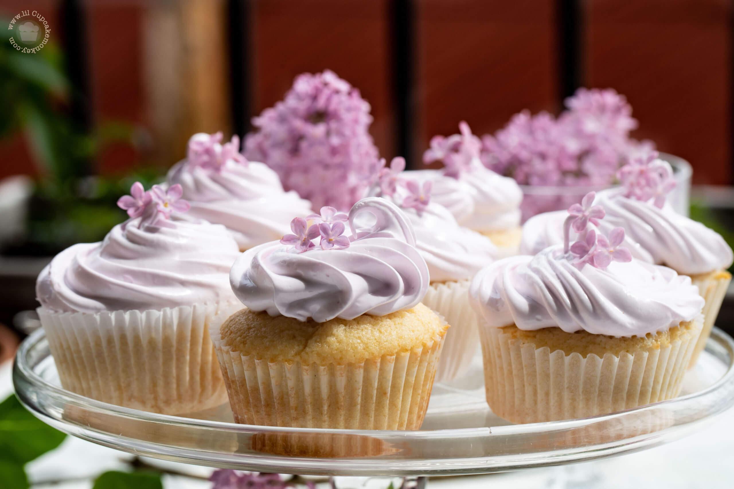 Lilac and Lemon Cupcakes Lilac and Lemon Cupcakes | lilcupcakemonkey.com