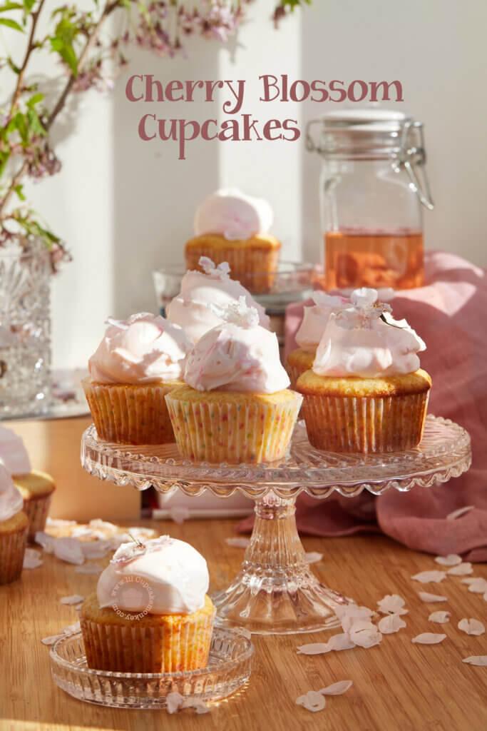 Cherry Blossom Spring Cupcakes | lilcupcakemonkey.com